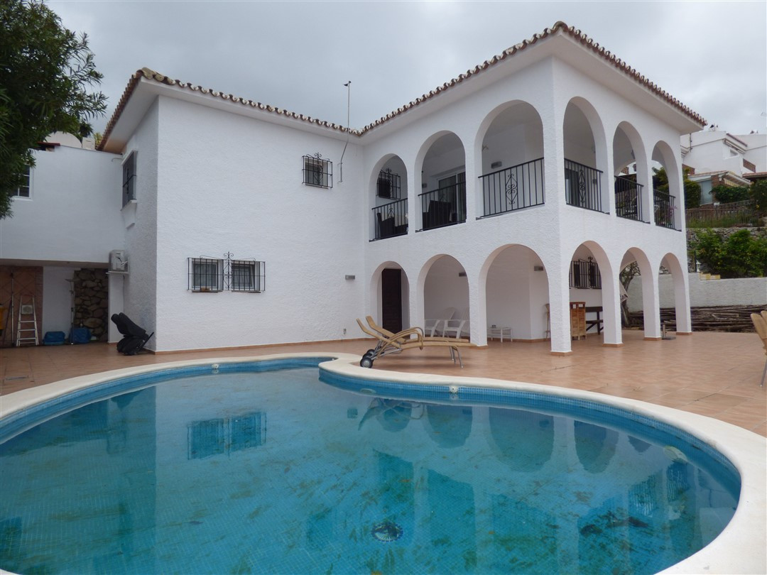 Villa with a view.  Fantastic 4 bedroom villa just 250 meters from the town of Benalmadena Village/ , Spain