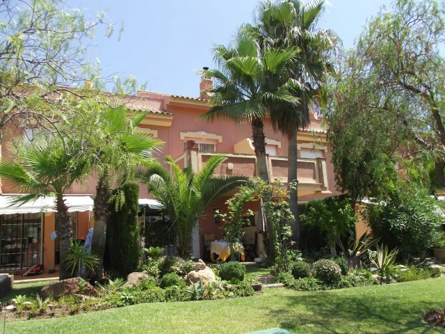 A superb spacious 3 bed townhouse located in Monte Biaritz  - easy walking to all amenities at Centr,Spain
