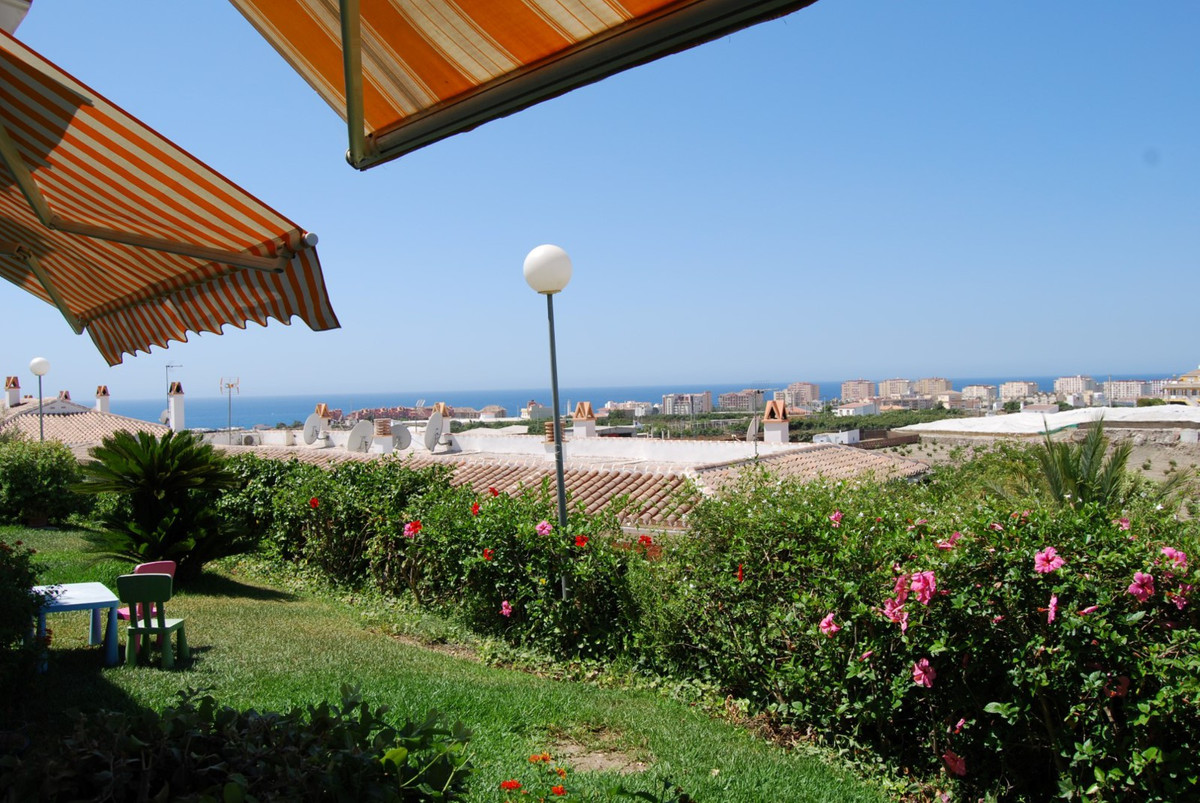 Modern 2-bedroom apartment with sea view  This beautiful modern 2-bedroom apartment is located on an, Spain