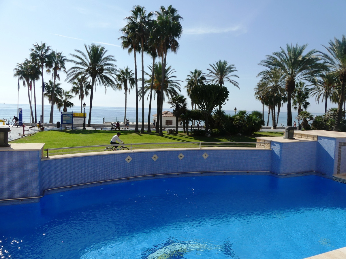 Spacious apartment 30m from San Pedro beach  Property: Beach side, ground floor apartment in San Ped,Spain