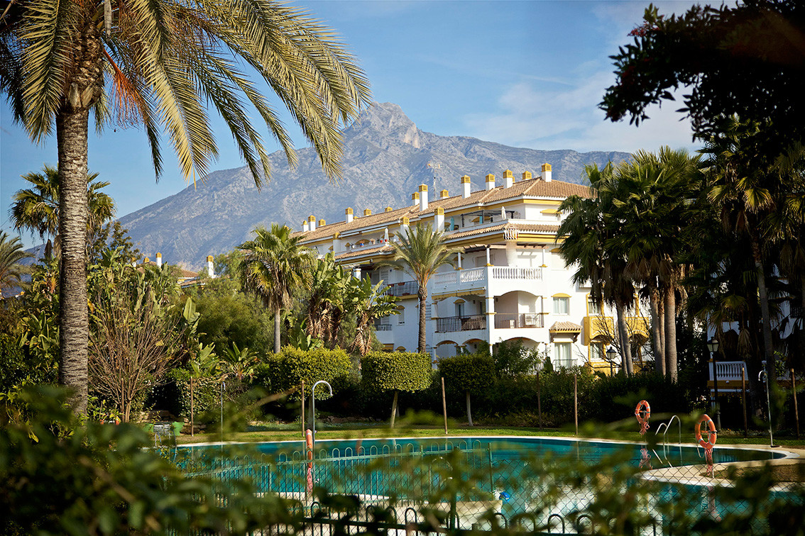 4 bedroom ground floor apartment in a gated urbanisation with 24h security, 2 large swimming pools, ,Spain