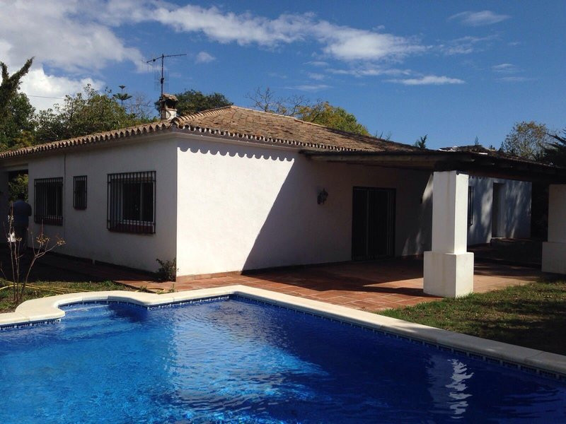 Detached Villa in Artola, Beautiful and cozy Villa located short distance of the best beaches on the, Spain