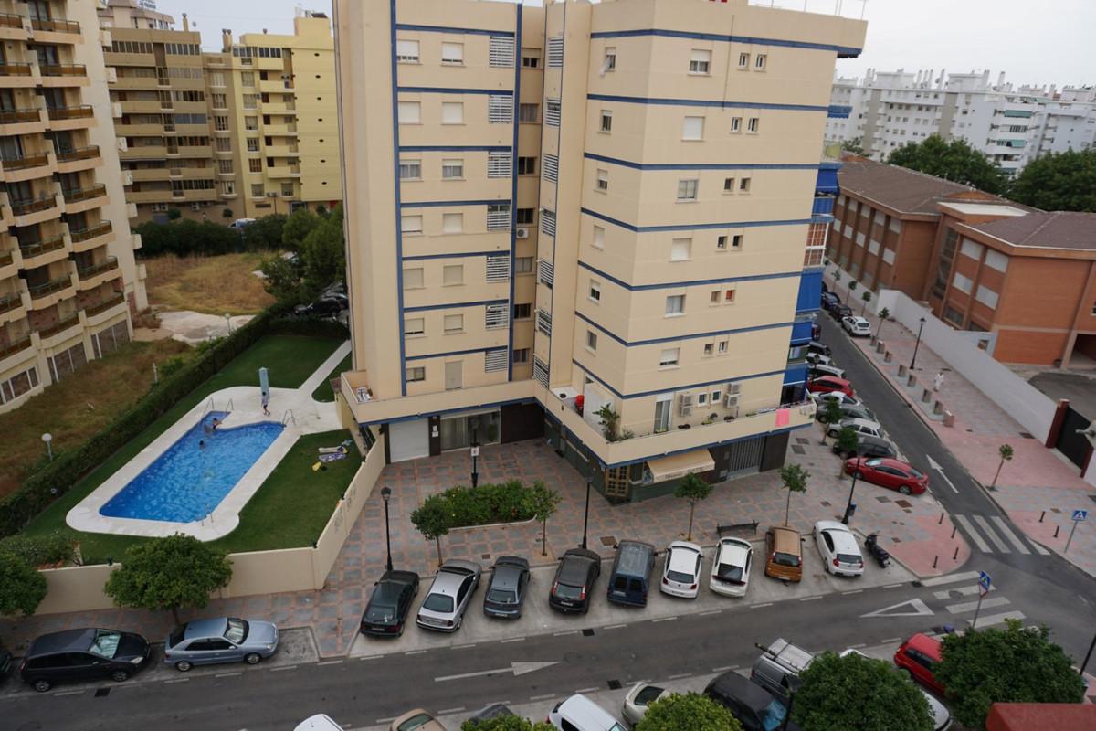 Top Floor Studio, Fuengirola, Costa del Sol. 1 Bedroom, 0 Bathrooms, Built 55 m².  Setting : Town, C,Spain