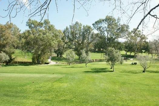 Plot with access via a small dead end street and on the first line of Los Naranjos golf course. The , Spain