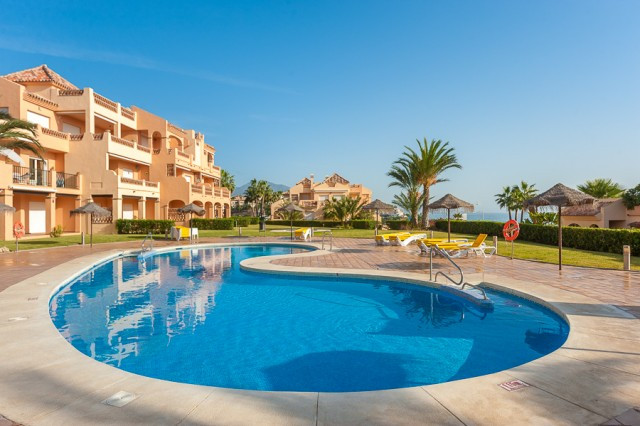 This well positioned ground floor garden apartment located in a much sought after Club La Costa Worl, Spain