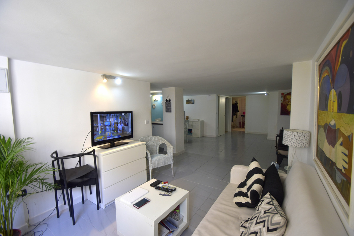 Modern and refurbished  in the center of Arroyo de la Miel, large loft  great an investment! Ready t, Spain