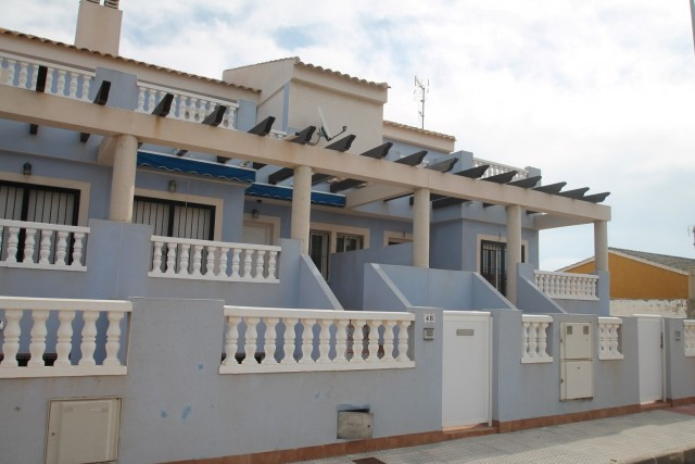 Fantastic end Semi Detached Villa, located in Los Urrutias, a quiet area just 250 meters from the be Spain