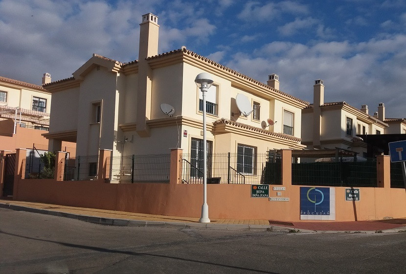 Spectacular Semi Detached in Urbanization Los Pacos, in Fuengirola, The house has three bedrooms, tw,Spain