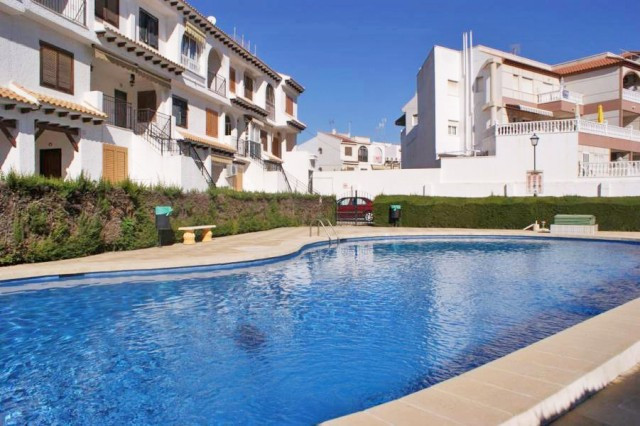 Wonderful bungalow in a private residential located in Torrevieja, just 500 meters from the beach Lo, Spain