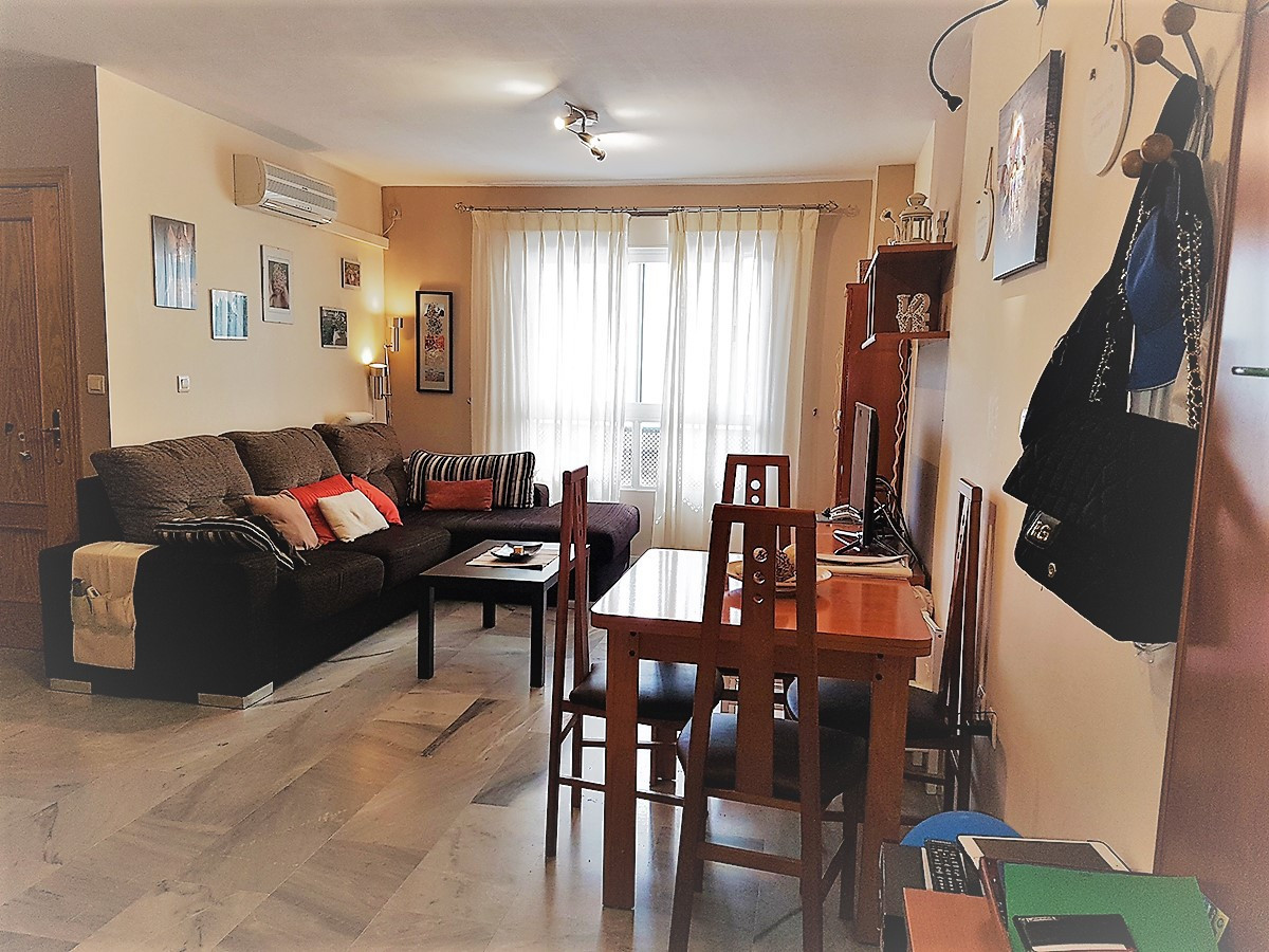 IDEAL INVESTMENT!!! Pay less than of rent! Nice floor of two bedrooms with air conditioning, a compl, Spain