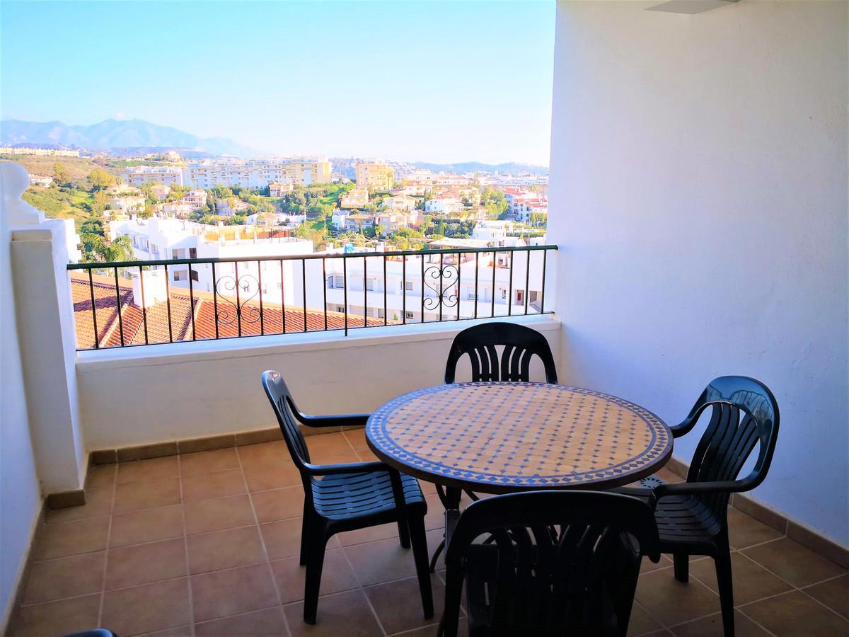 Vistas al mar y a la montana, apartamento situado en uno de los mejores complejos de Miraflores, a p,Spain