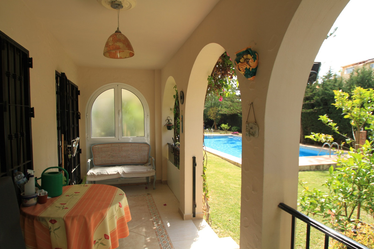 This beautiful ground-floor apartment has 2 bedrooms, one bathroom, one toilet, an equipped kitchen ,Spain