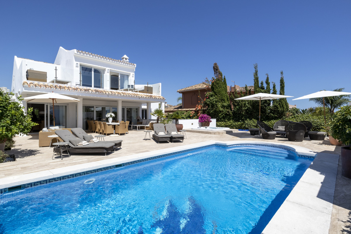 REDUCED TO 1,700,000 EUROS!!  6 Bedroom 5 Bathroom villa located in Las Chapas Playa, East Marbella ,Spain