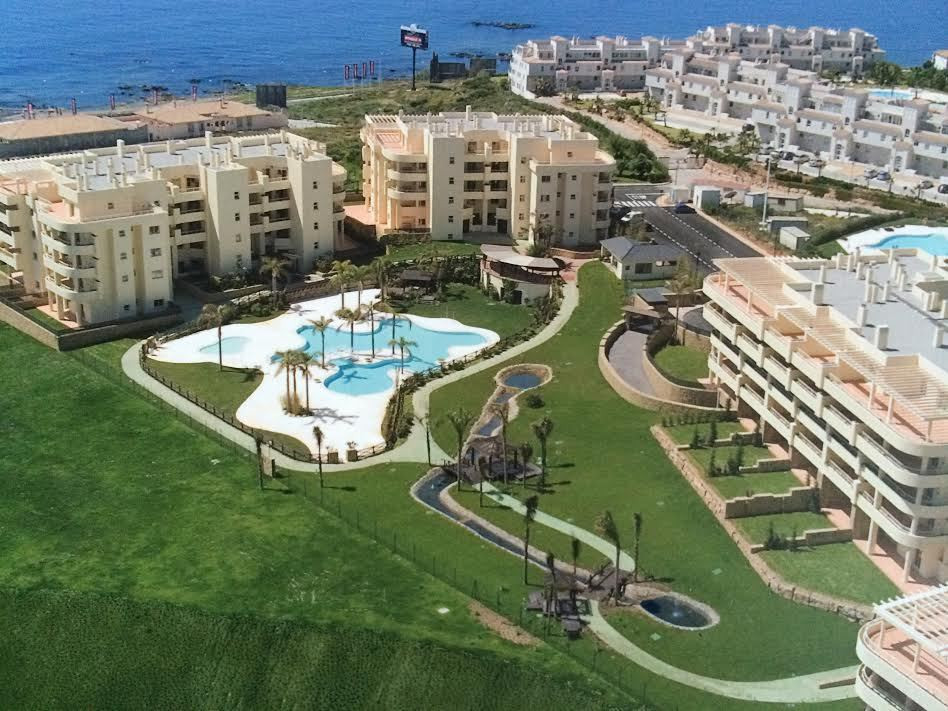 New  ground floor apartment with a 2 prived gardens ,situated  in a residential complex near the sea,Spain