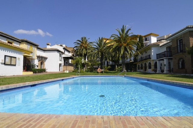 Lovely townhouse in the Centre of Fuengirola. Within a closed community very popular in Fuengirola. ,Spain
