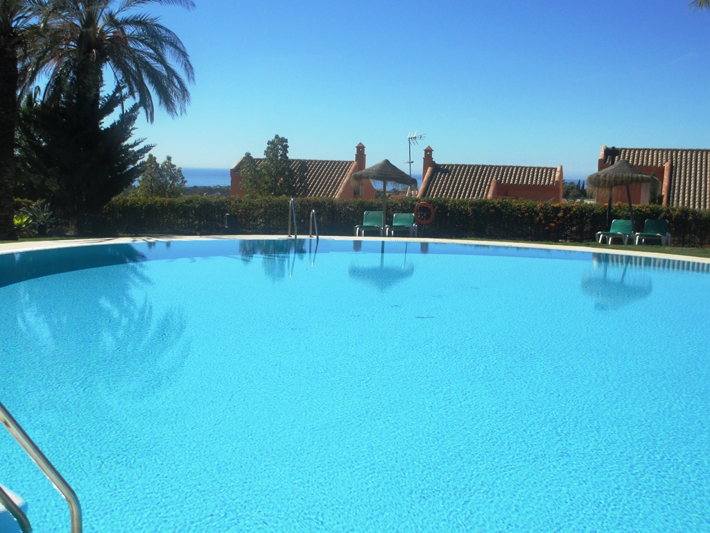 Beautiful & large 3 bed elevated ground floor apartment situated in a front line golf community ,Spain