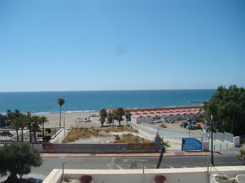 Large apartment situated only 100 metres from the beach and only 2 minutes from the port of Estepona,Spain