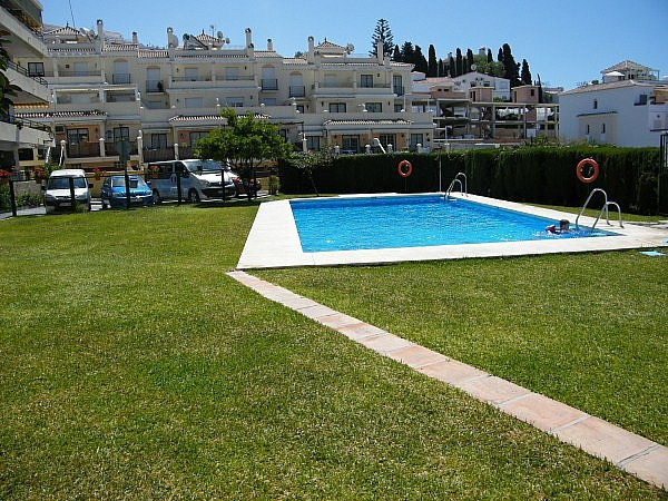 GROUND FLOOR APARTMENT IN IMMACULATE CONDITION.  The apartment consists of a spacious living room, f, Spain