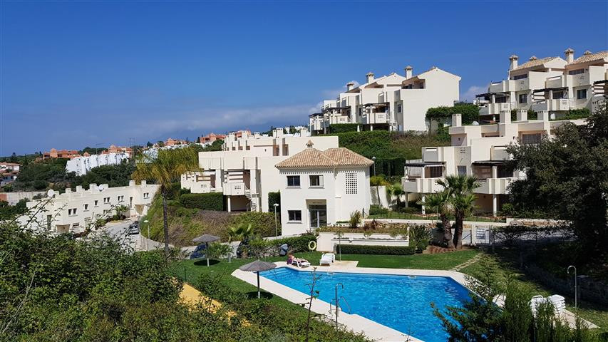 FABULOUS OPPORTUNITY TO ACQUIRE A WONDERFUL PROPERTY CLOSE TO PUERTO CABOPINO MARBELLA.  The propert, Spain