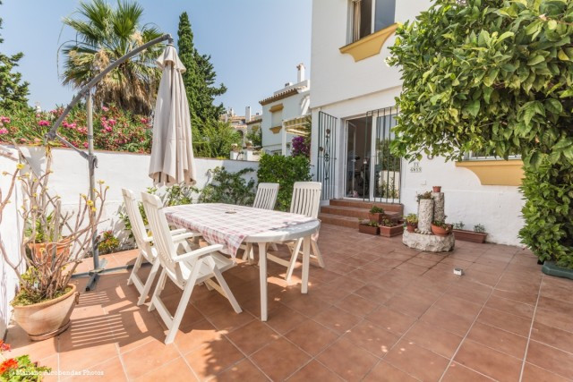 Beautiful and luminous townhouse in El Coto, with large courtyards and terraces and close to all ame,Spain