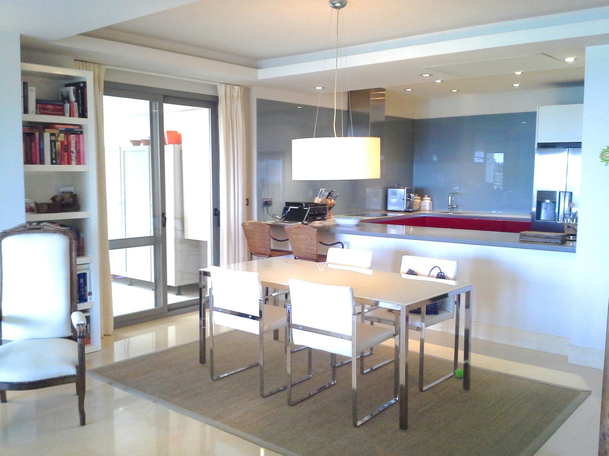 Fantastic spacious apartment with frontal open views to the sea, golf, pool and garden. Exclusive qu, Spain