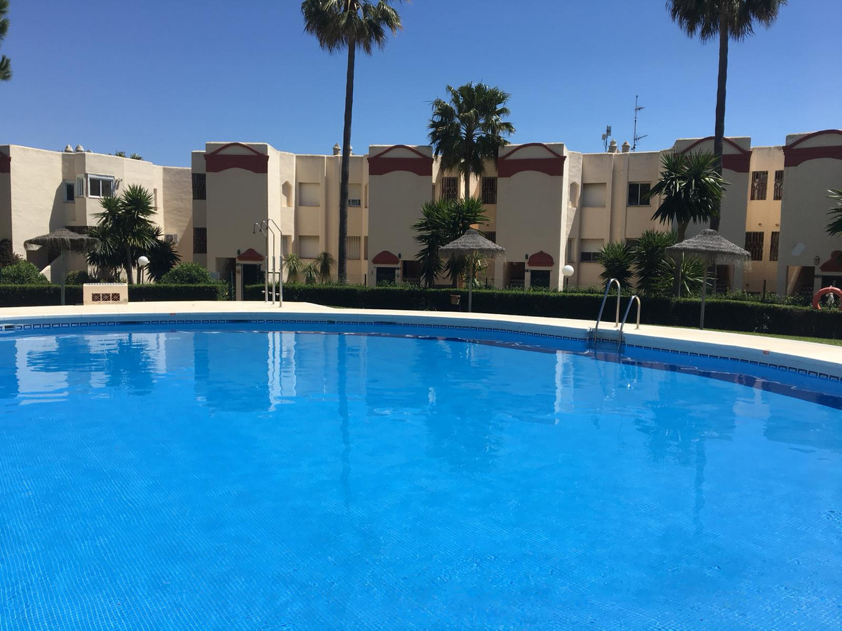 Bank opportunity! Wonderful apartment in closed complex, in ground floor of two bedrooms and a bath,,Spain