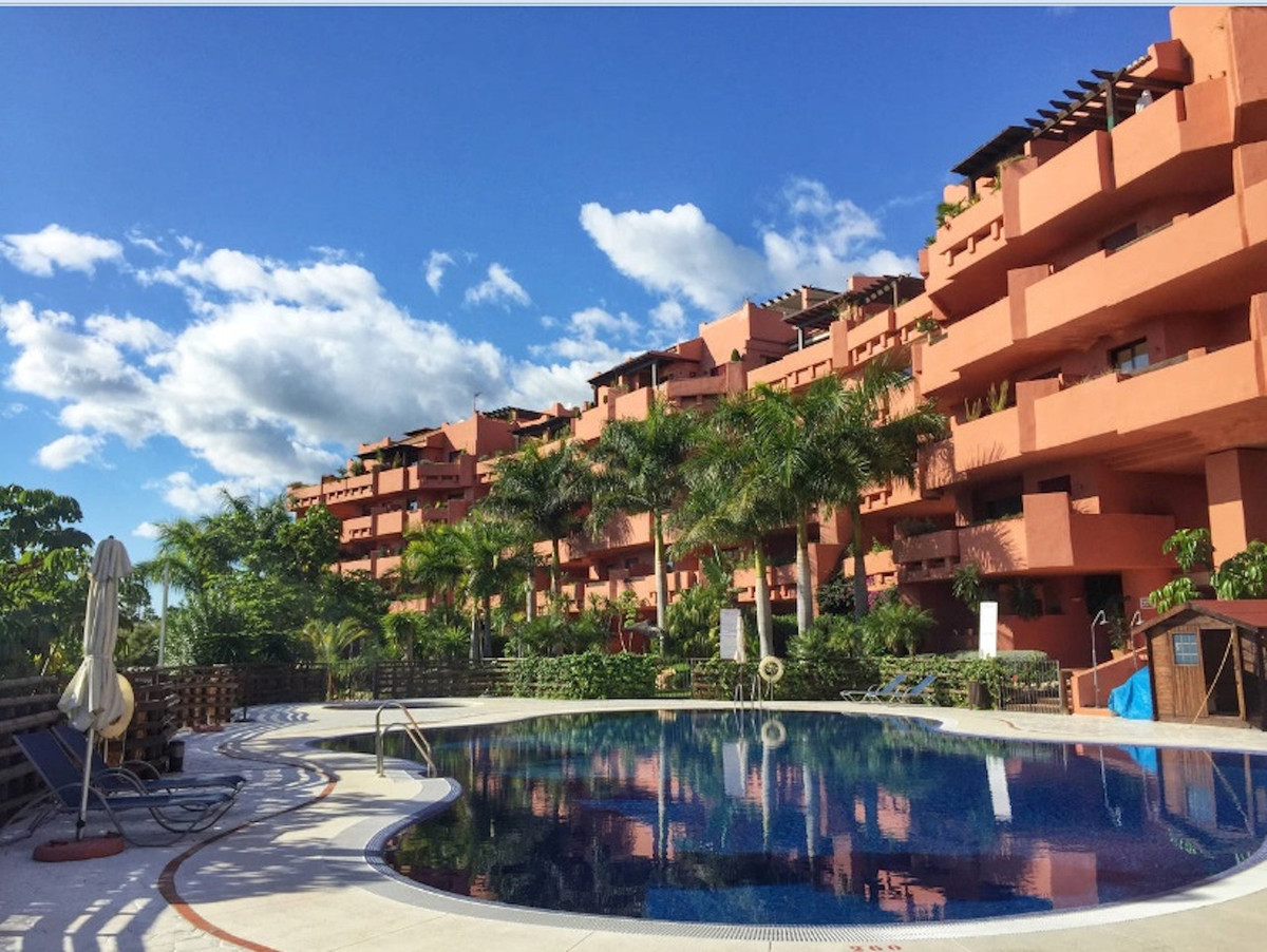 Fantastic south oriented apartment, fully furnished in new beach side urbanization located in the he,Spain
