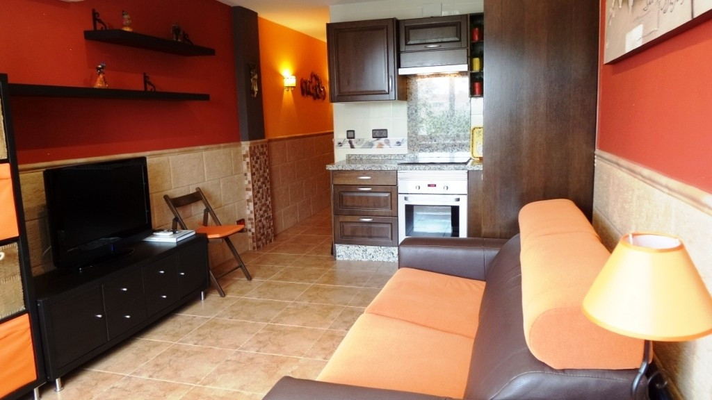 FANTASTIC STUDIO COMPLETELY REFURBISHED, LESS THAN 500 METERS FROM THE BEACH, This beautiful studio , Spain