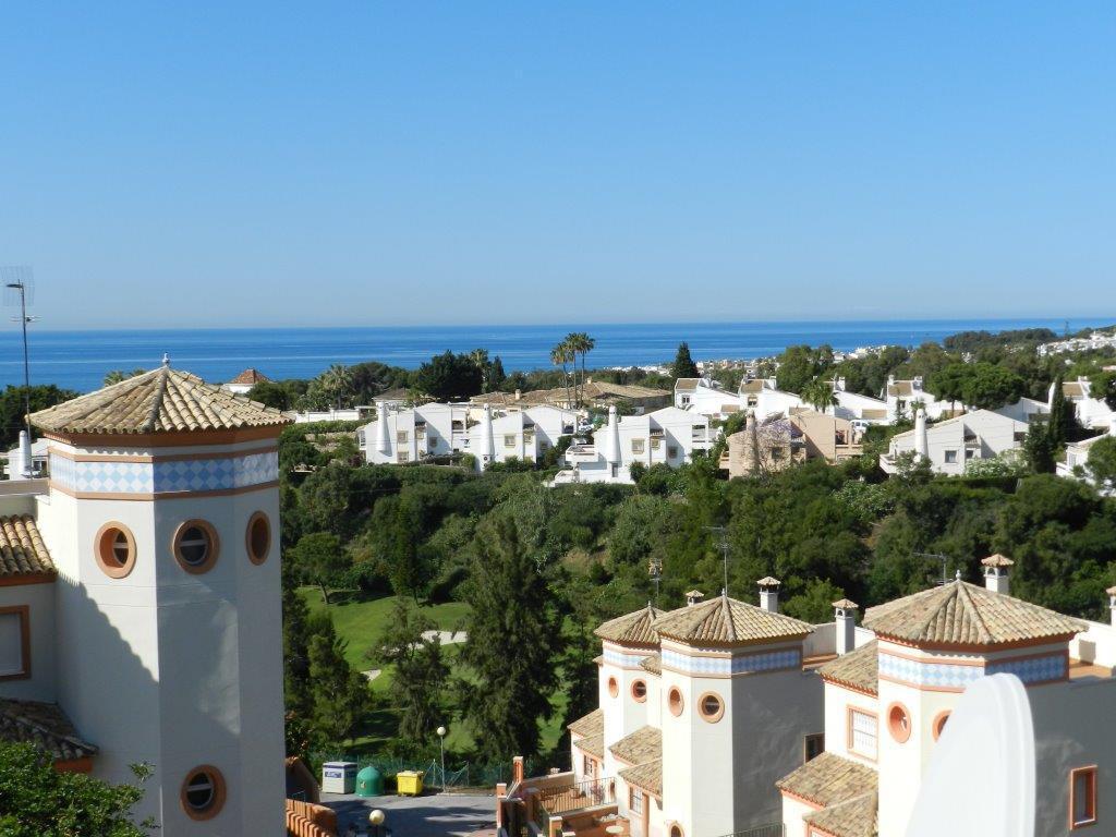 PRISTINE CONDITION SEMIDETACHED TOWNHOUSE WITH MAGNIFICENT SEA VIEWS IN EL MIRADOR DE CALAGONDA 2 be,Spain
