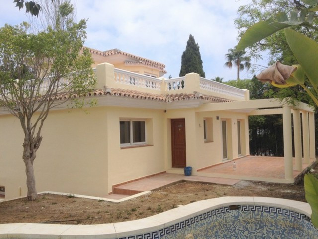 BARGAIN Independent brand new villa, located at 500 meters away from the beach, 100 meters from the ,Spain