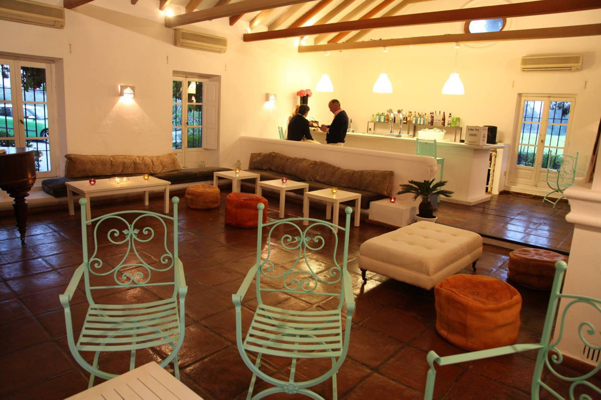Spectacular commercial premises licensed and previously used as commercial, restaurant, bar, club an,Spain