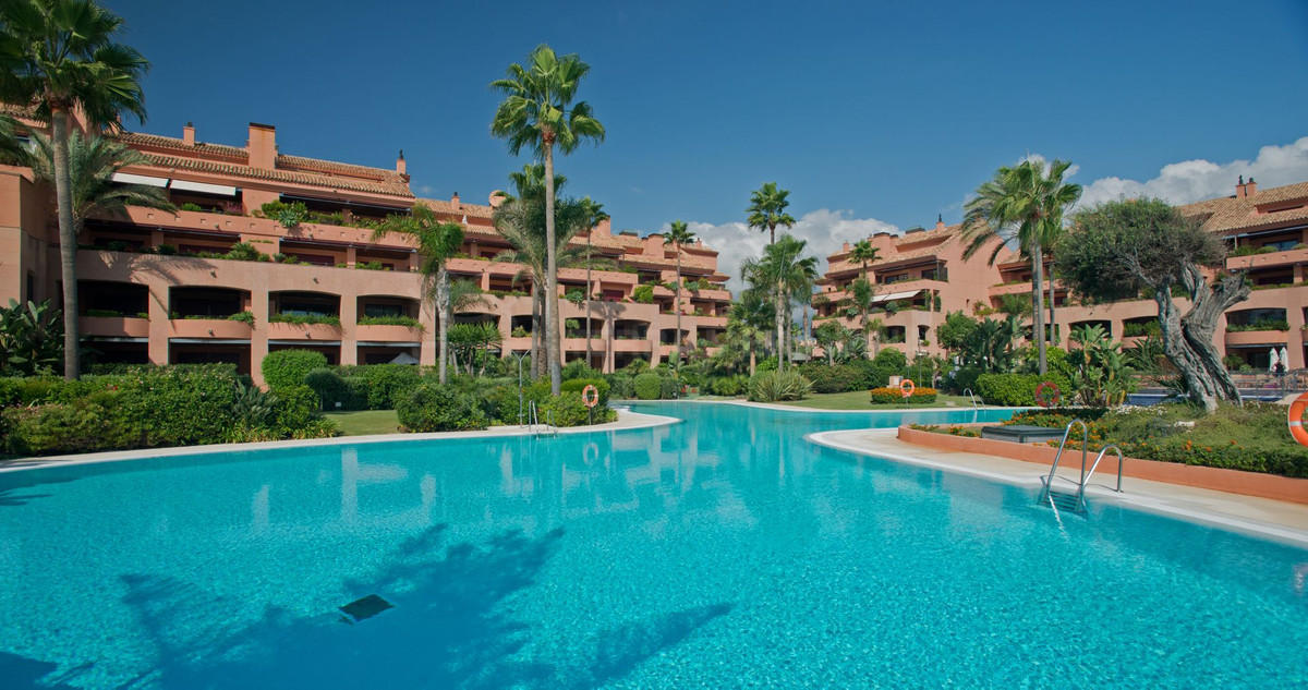Exclusive apartment with a total area of ??230m2 and includes 2 bedrooms, 2 bathrooms, large living , Spain