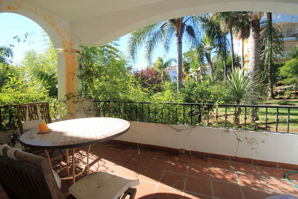 This West facing two bedroom apartment is a ready to move-in home located on the desirable Marbella&,Spain