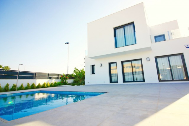 Superb modern new villas in San Pedro del Pinatar are just a couple of minutes drive down to the fan, Spain