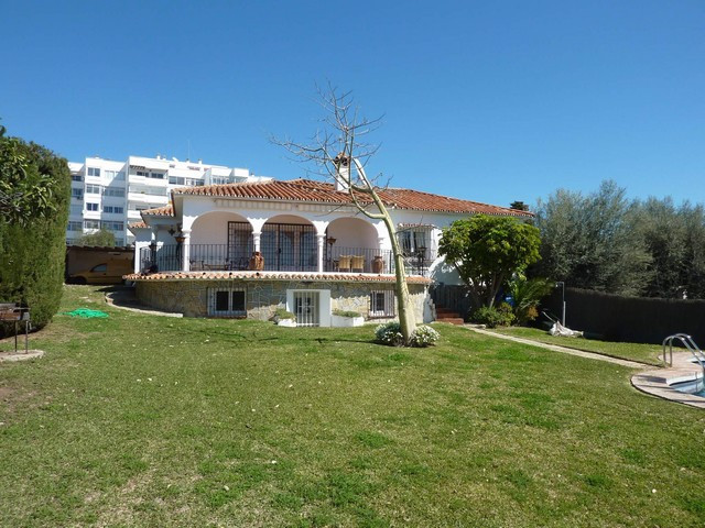 Nice private villa situated just a few minutes driving from Marbella and close to the beach. The hou,Spain