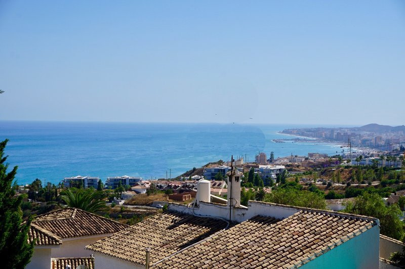 This is a wonderful 3 bedroom villa with a good location and wonderful panoramic view over the sea a, Spain