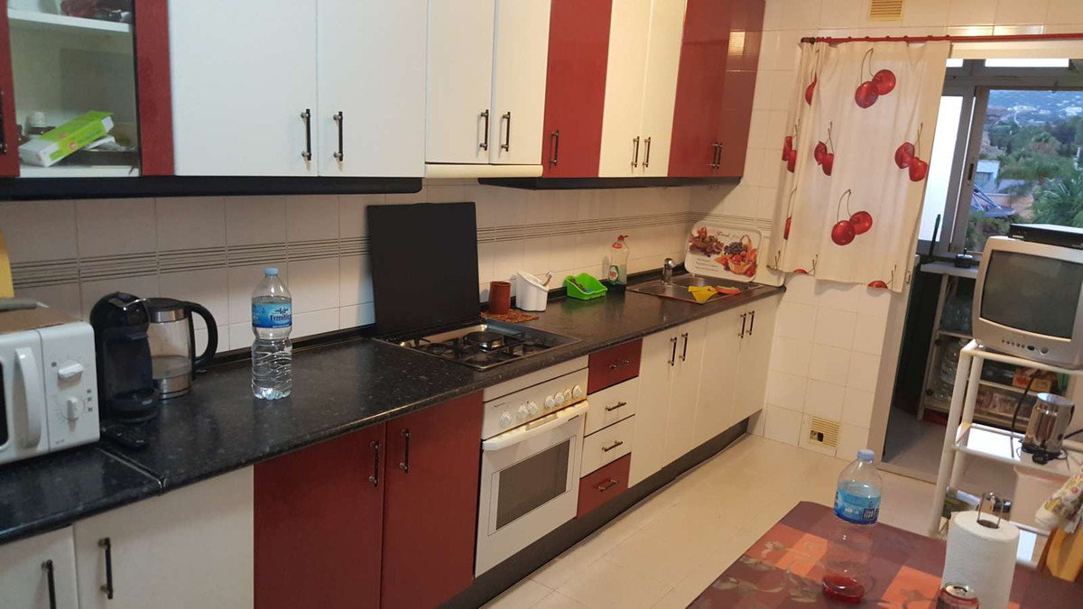 Ideal opportunity to buy an apartment located near the centre in San Pedro with all amenities close.,Spain