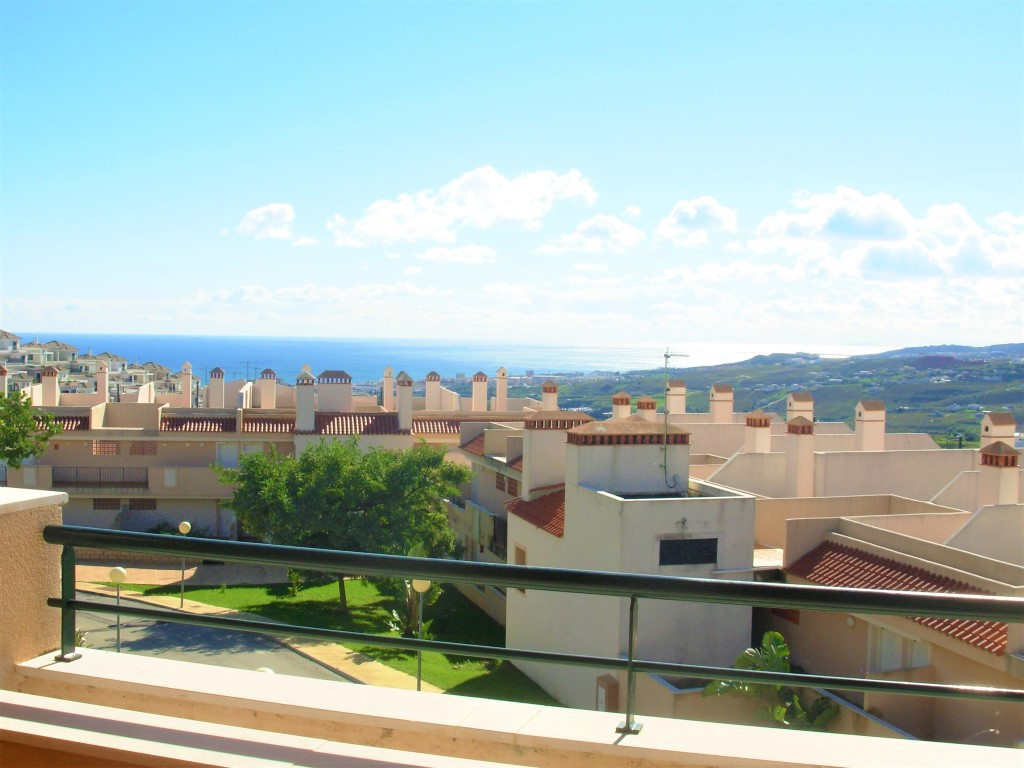 Magnificient penthouse in exclusive private complex overlooking lavish golf courses and the sea coas, Spain