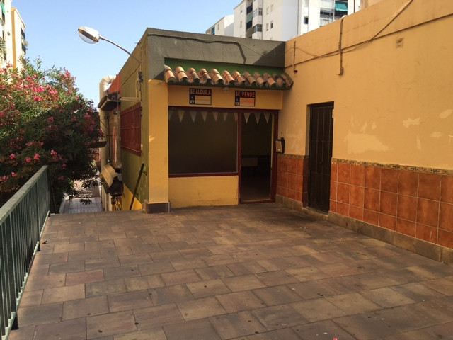 Shop, San Pedro de Alcantara, Costa del Sol. Built 72 m².  Setting : Commercial Area, Village, Close, Spain