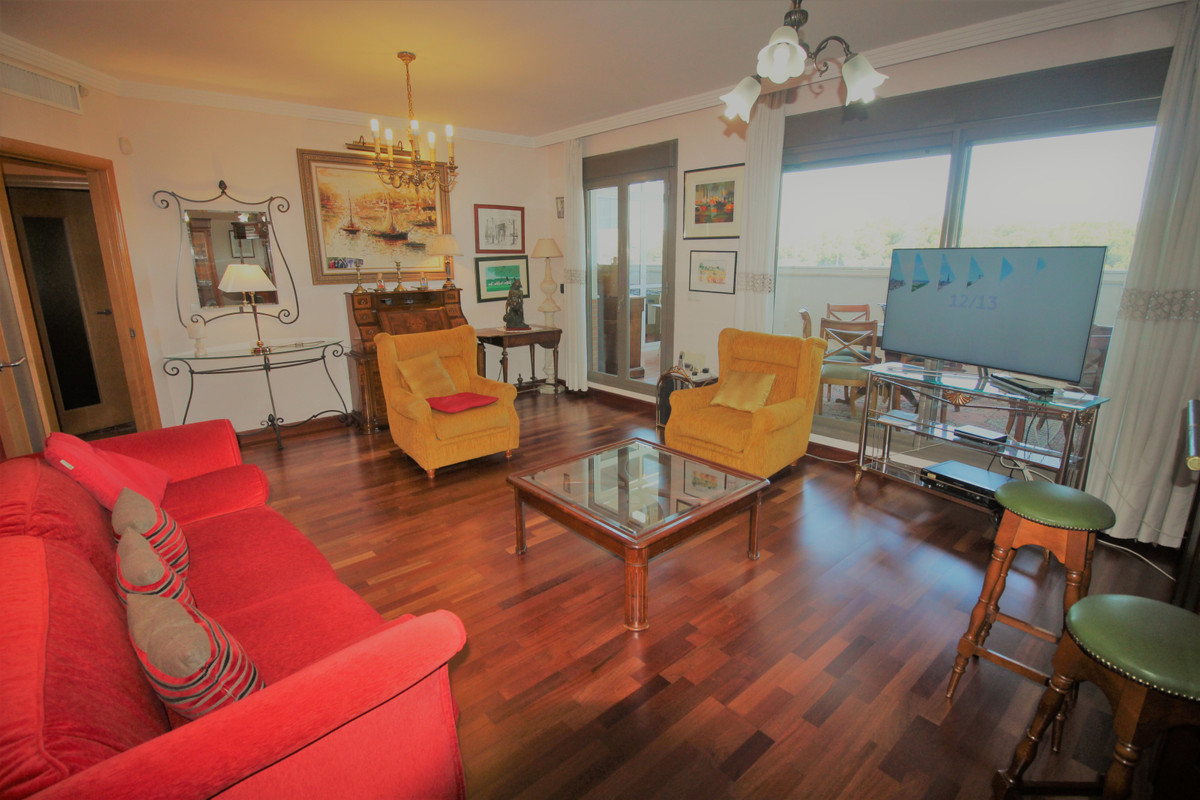 SPECTACULAR PENTHOUSE with sea views, in perfect condition, with 126 m2 built, plus two terraces, on,Spain