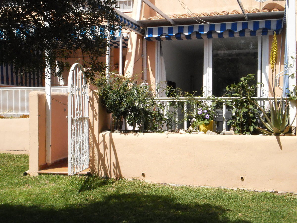 WALK TO THE BEACH!  This 1-bed, 2-bath apartment has been totally renovated to offer a SPACIOUS, LIG,Spain