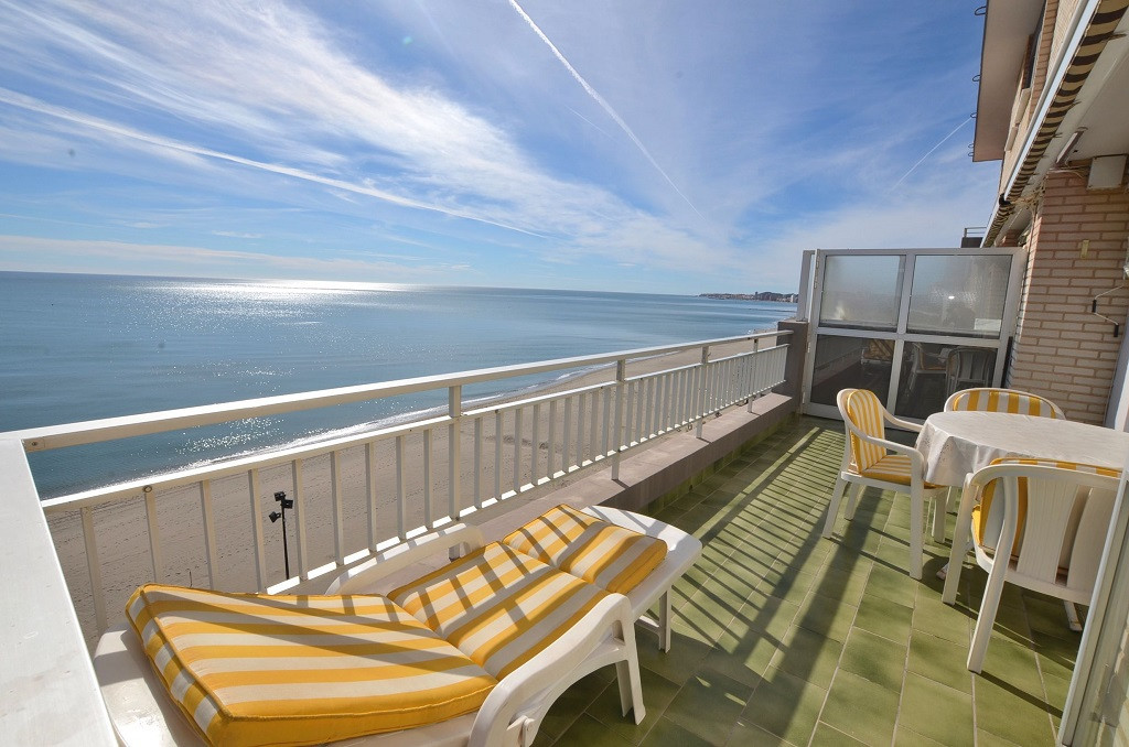 FRONT LINE BEACH APARTMENT! Located in Carvajal (Fuengirola). Large south facing terrace of 18 m2 wi,Spain