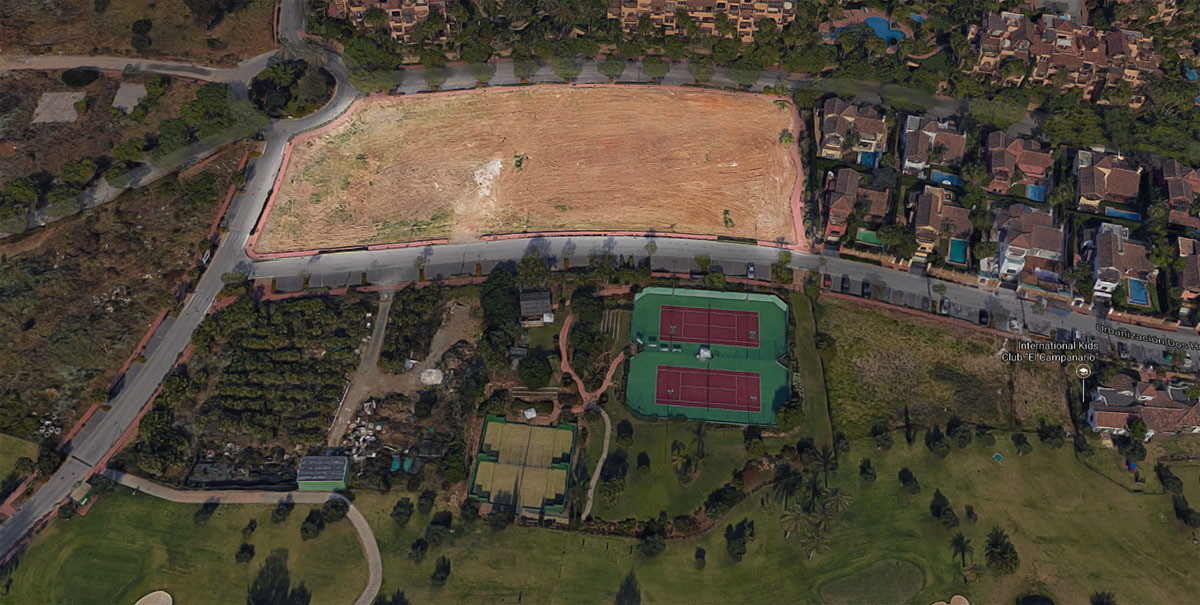 Large urban plot in Estepona Diana Park.  0.40% edificability.  0.40% occupation  We offer you this ,Spain
