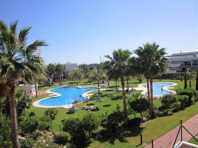 Nueva Andalucia - Lorcrimar - Penthouse south facing with sea views!  Fantastic top floor apartment , Spain