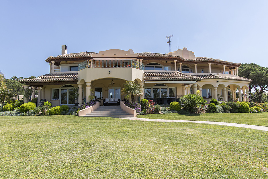 We proudly present the most impressive property of East Marbella available on the market today. Stan, Spain