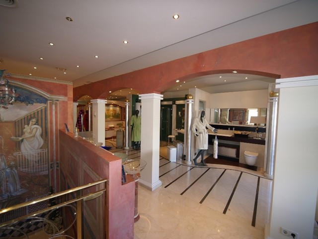 Excellent opportunity to acquire a fabulous commercial property in one of the most prestigious and s,Spain