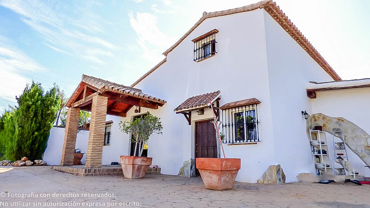 ++++++RESERVED++++++  MOTIVATED SELLER. Beautiful Cortijo Style Villa with its own well and within a,Spain