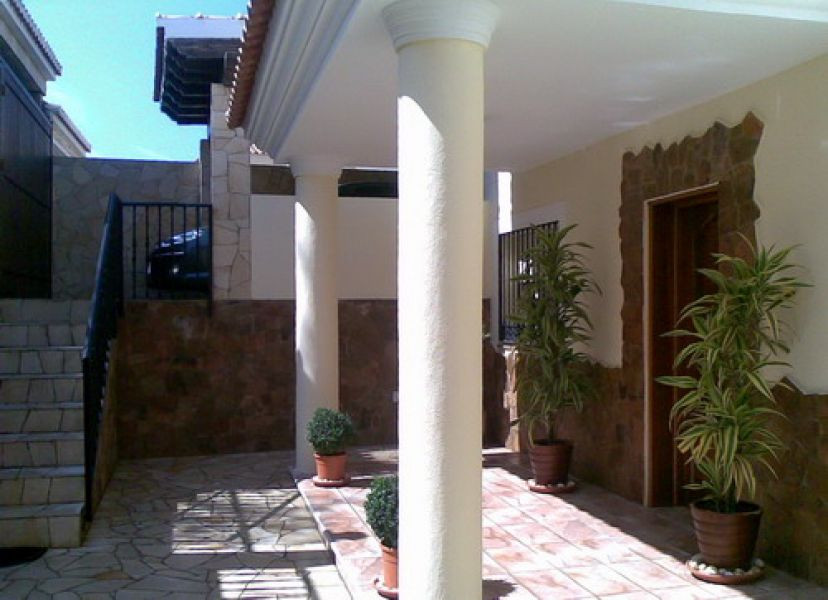 Superb Villa with 3 floors, furnished kitchenette more another kitchen on the main floor, several te,Spain