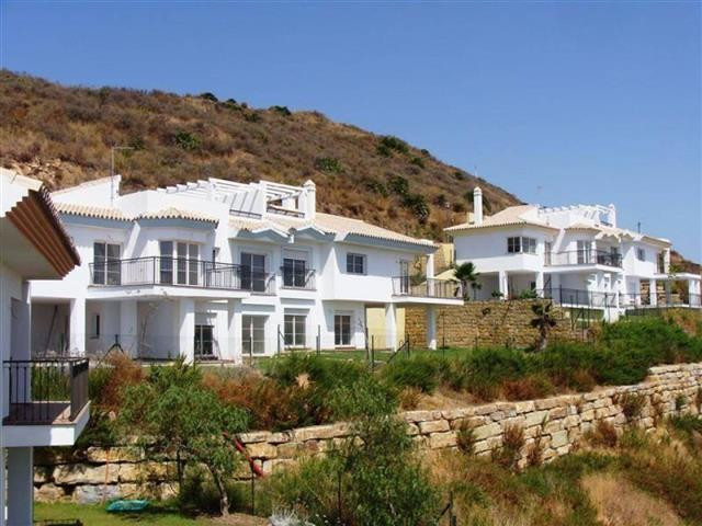 Amazing semi detached villa located in Riviera del Sol, on the sought after Mijas costa. ThiS Medite, Spain