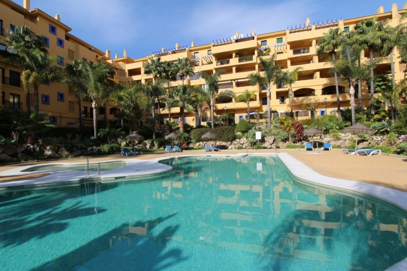 Beachside penthouse in Los Almendros, San Pedro, next to the new boulevard and town centre and only , Spain